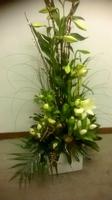 bloemstuk voor kerkversiering
